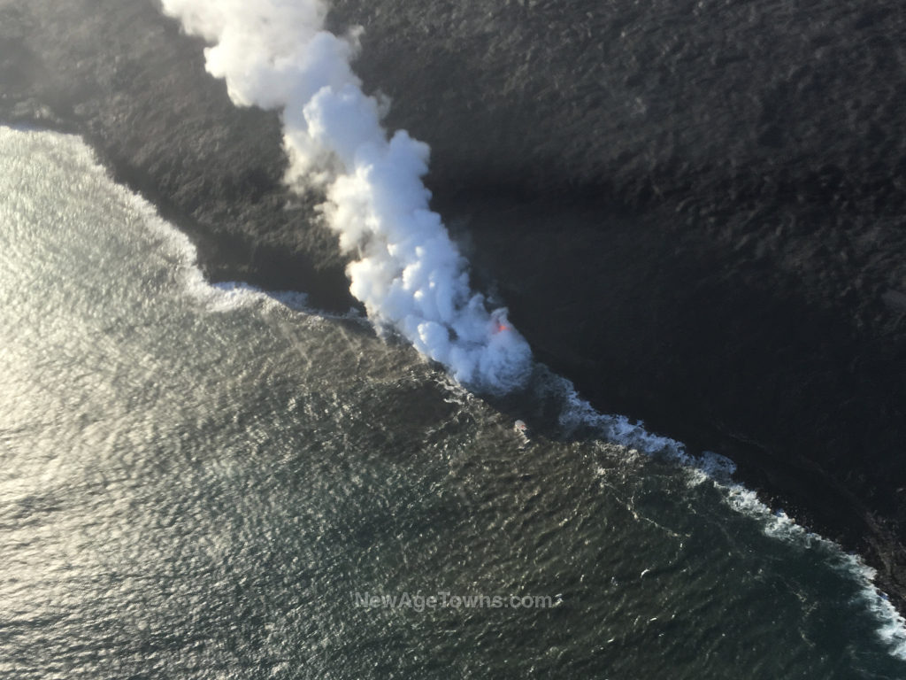 Kilauea lave flow into the ocean - Hawaii